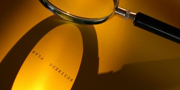 Image of a magnifying glass | W8 Advisory | Wealth advisors for high net worth Africans